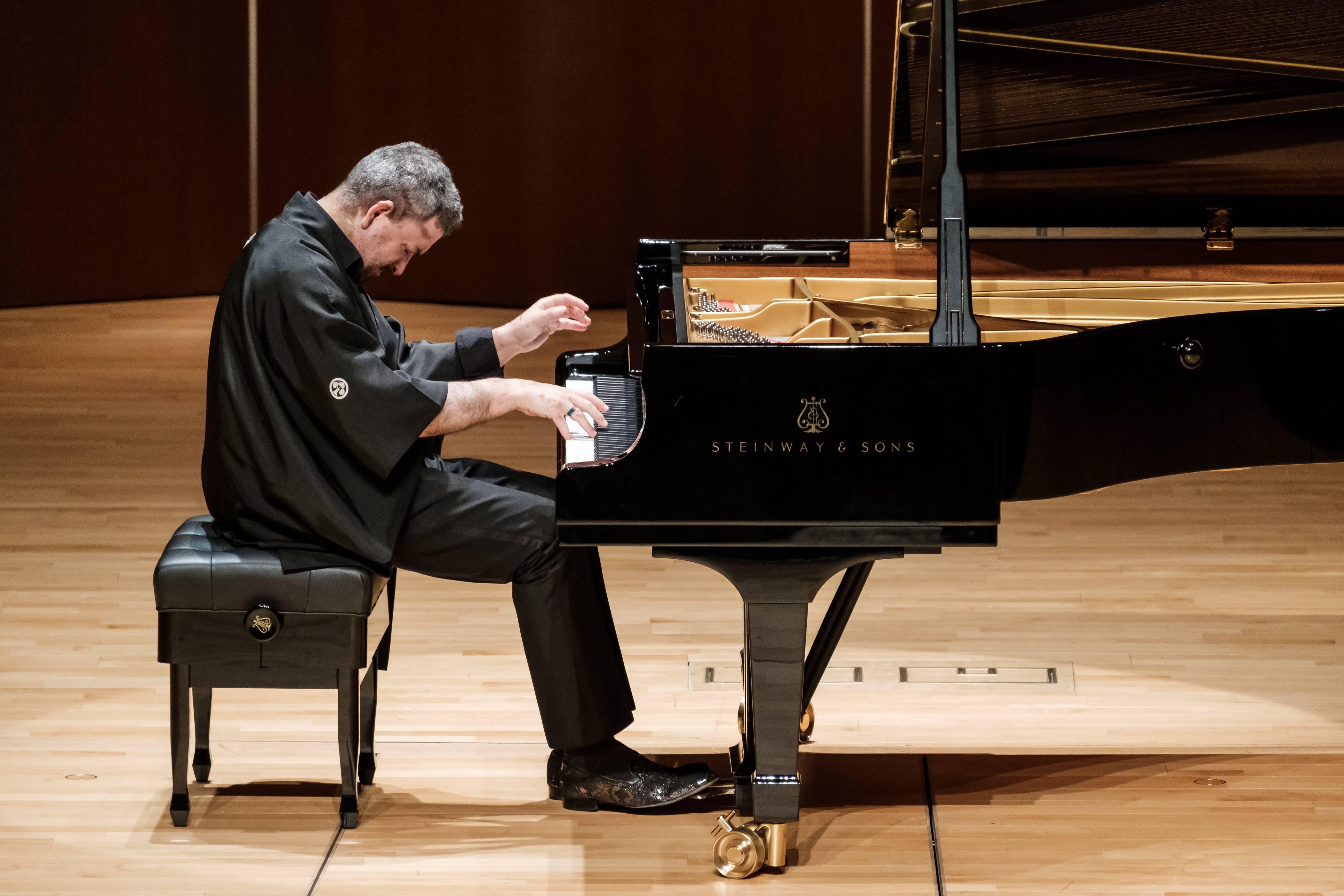 The Immortal 32: Lifschitz's Beethoven Cycle